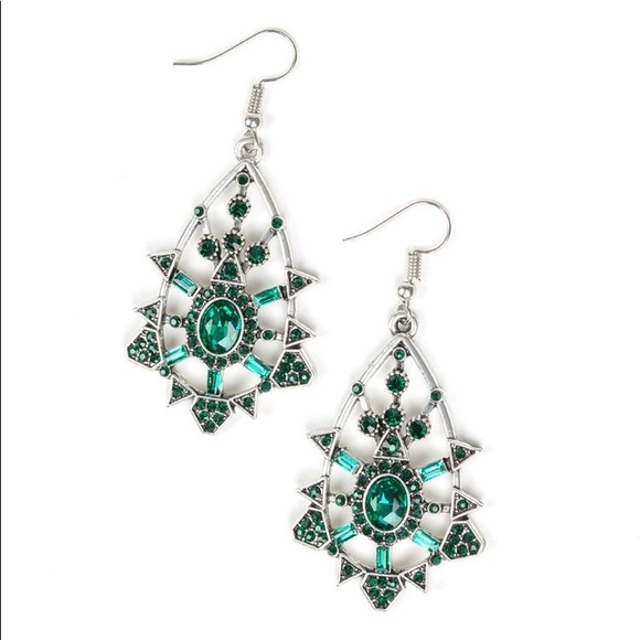 ✨3 for $10✨ Silver and green earrings